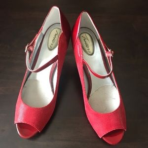 Red peep toe Trotter Heels, Size 8.5